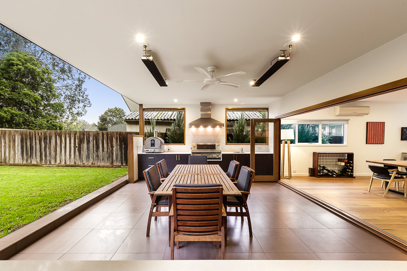 Outdoor Alfresco with Kitchen area